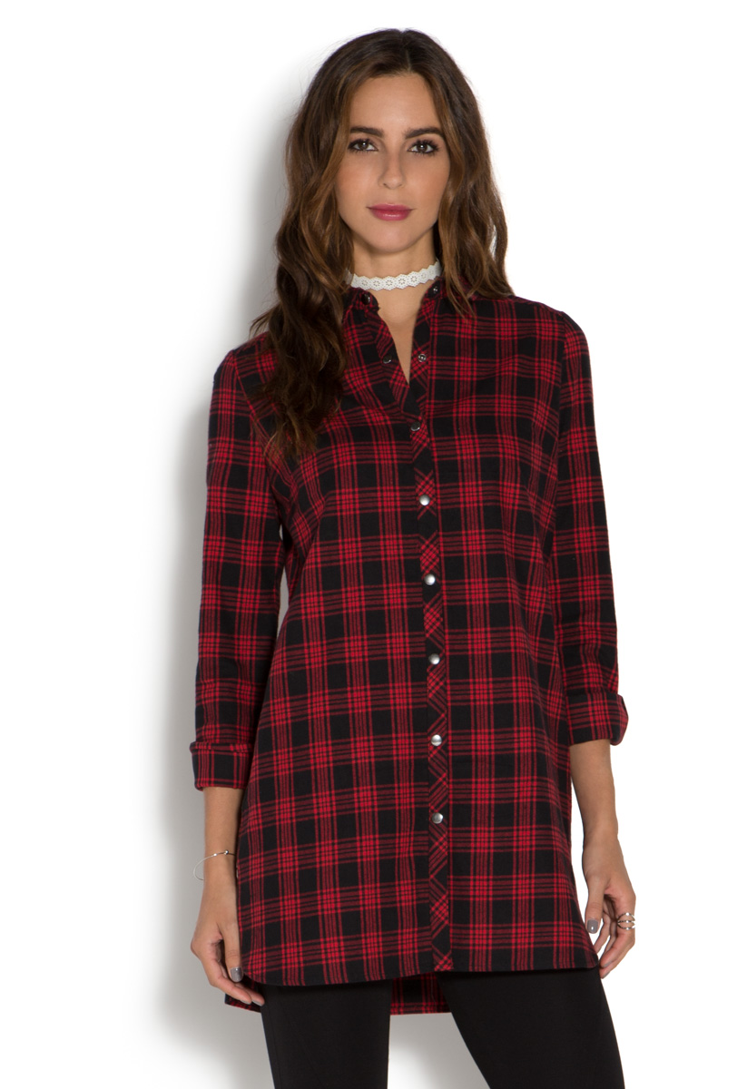 Say hello (or good night) to our feminine flannel pajamas. A lustrous iteration in sublime organic pima cotton, with a mandarin collar, a flattering tunic length, and a high-low hem; the full-length pajama bottoms have a comfy elastic waist and wide legs.
