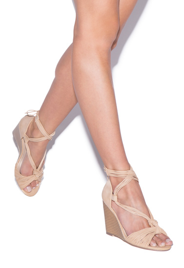 Color Blush Outside Wedge Height 3 75 Fit True To Size Closure Adjule Back Laces Imported