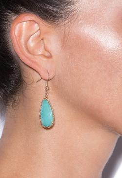NOT SO LONELY TEADROPS EARRING
