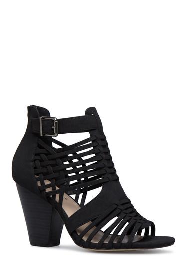 e811cd9fdd96ba Color  BLACK  Outside Heel Height  3.25