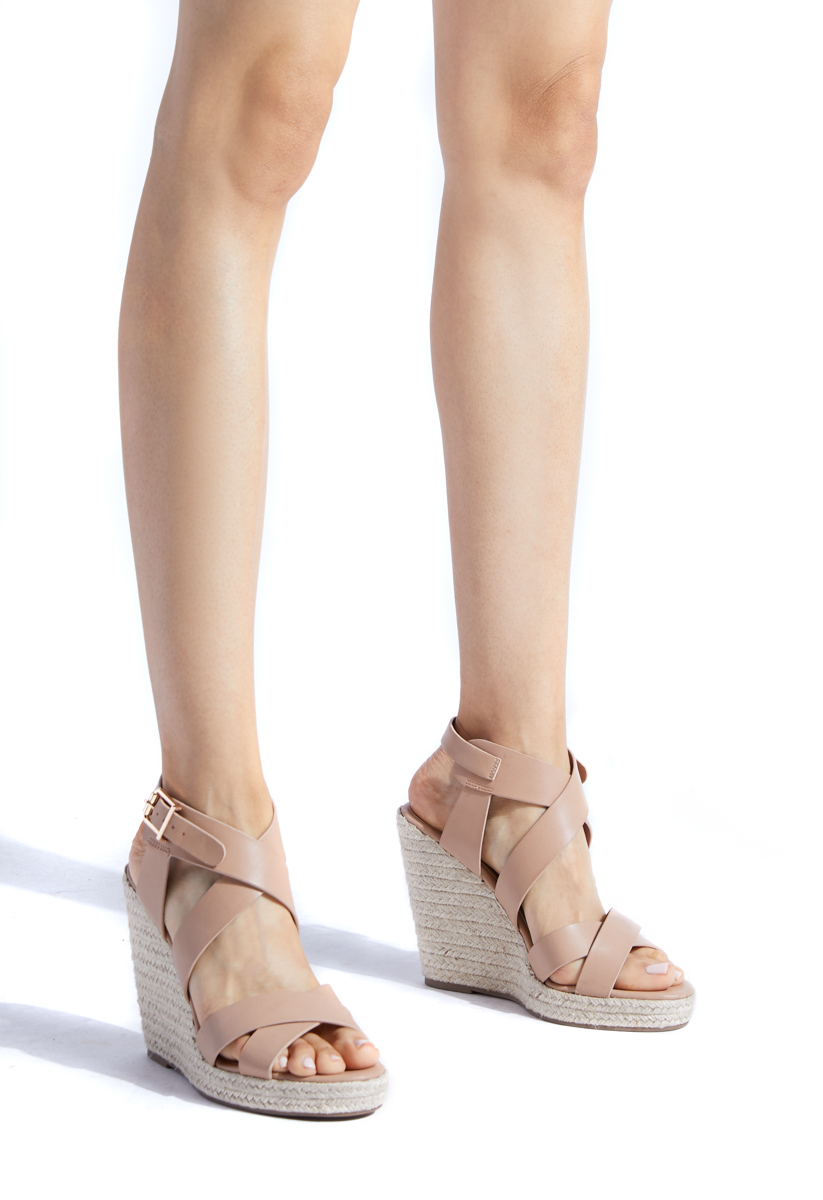 db4c4e27cceb Material  FAUX-LEATHER  Platform Height  0.75