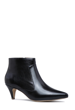 MOLLY POINTED TOE BOOTIE