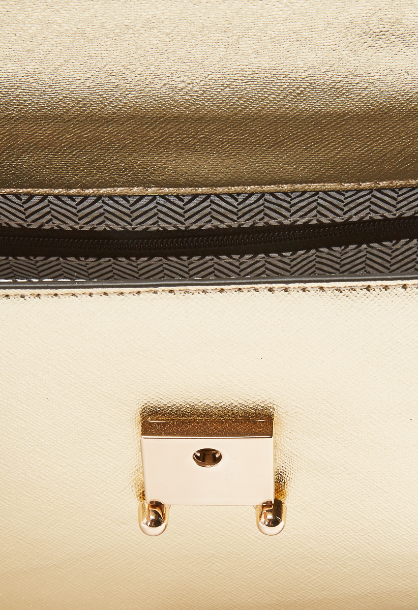21eea7022 Strap: Adjustable, Removable Crossbody 25