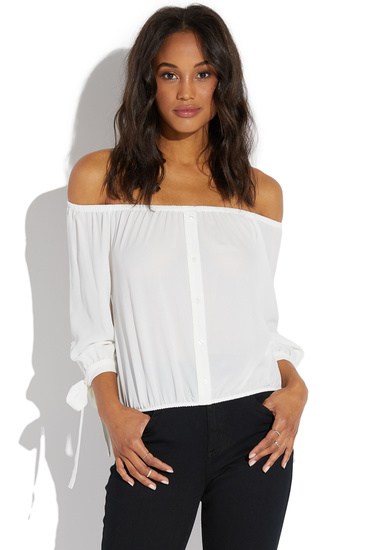 6cad4885f9d Fabrication: 97% Polyester/3% Spandex; Color: White; Length: 15