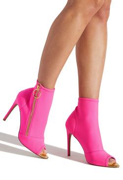 Erika Jayne Amp Erika Girardi Shoedazzle Exclusive Collection