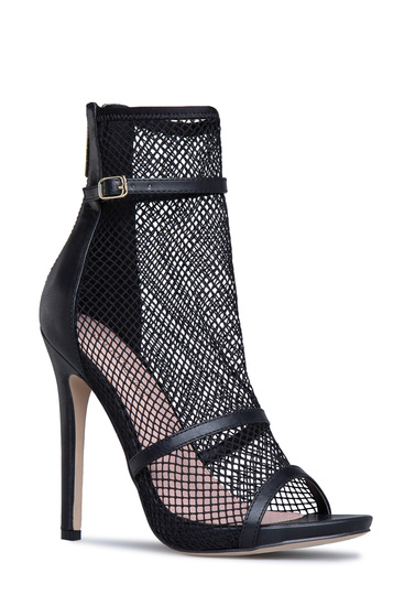 7681cd001dad4 Material: Mesh/Faux-Leather; Fit: True to Size; Color: Black; Outside Heel  Height: 4.5