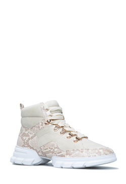 LACE ME UP LUG SOLE SNEAKER